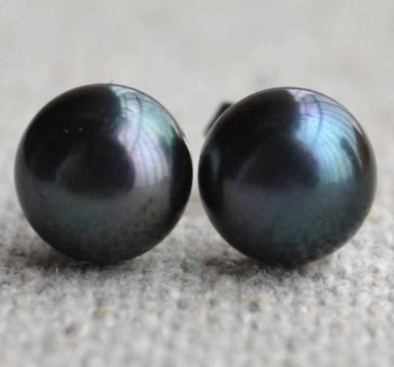 Свадьба - Black Pearl Earrings, AAA 7.5-8mm freswater pearl earrings, pearl stud Earrings. Wedding  Party, black bead earrings, Button pearl earrings