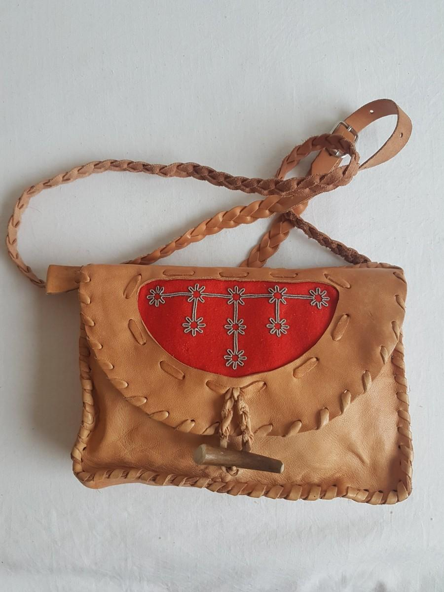 Hochzeit - DUODJI Style Sámi Handmade Reindeer Leather Pochette Bag Clutch with Pewter Embroidery and Carved Reindeer Antler Button