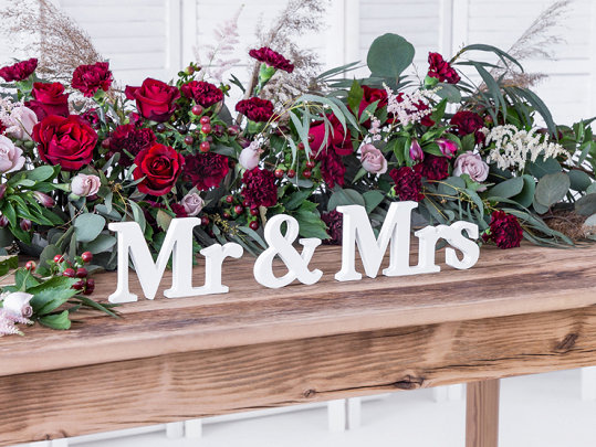 Свадьба - White Mr Mrs Wooden Signs, Wedding Decorations, Wedding Table Signs, Wooden Wedding Decorations, Rustic Table Decor, Wedding Signs