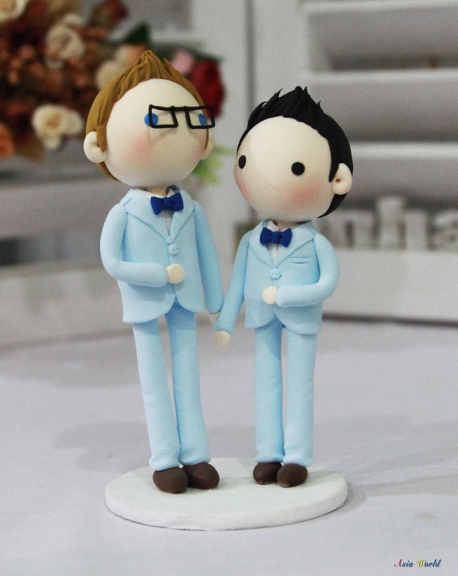 Свадьба - Gay Wedding Cake topper clay doll , Same sex Clay Couple in Blue theme, wedding clay figurine decoration, rings holder clay miniature