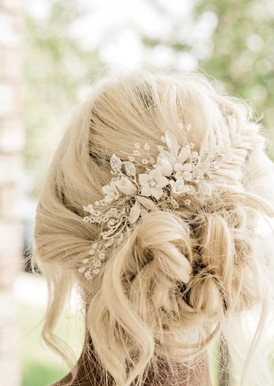 Свадьба - Bridal Hair Comb Hand-crafted with beautiful Off White Flowers, Rhinestone Leaves And Pearl Baby's Breath Accents