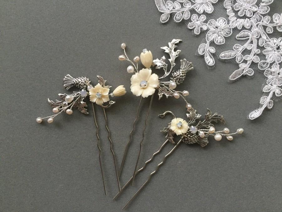 Свадьба - Thistle Hair Pins Scottish Wedding Bobby Pins Highland Wedding Hair Clips Vintage Bridal Hair Piece Thistle Bridal Hair Clips