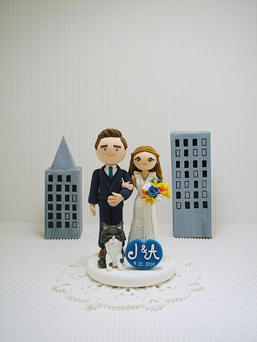 Wedding - Cute couple with cat custom wedding cake topper , bride and groom cake topper , handmade , Mr and Mrs cake topper