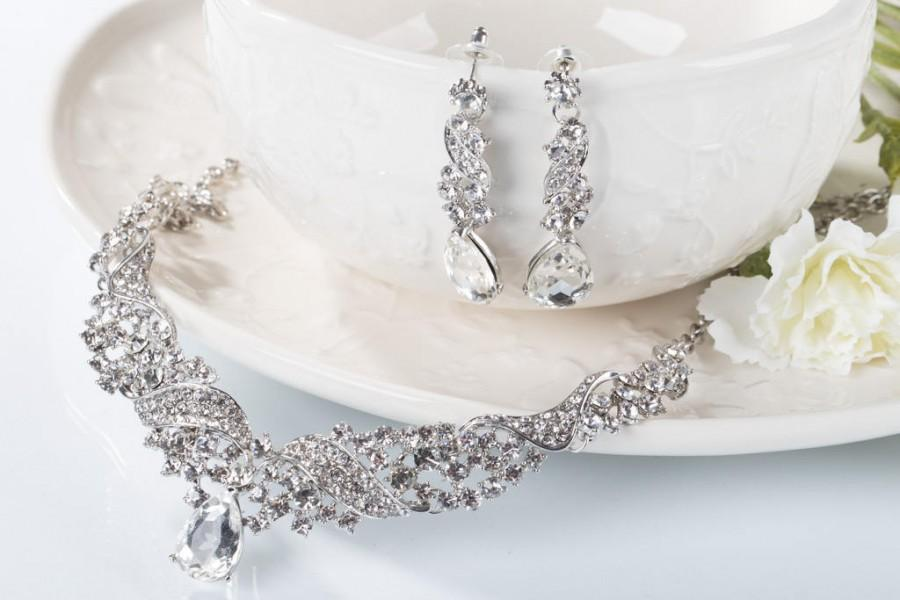 Mariage - Bridal Jewelry Set HARPER Wedding Jewelry Sets for Brides Chandelier Bridal Necklace Earrings Set Drop Crystal Jewelry Vintage Bridesmaids