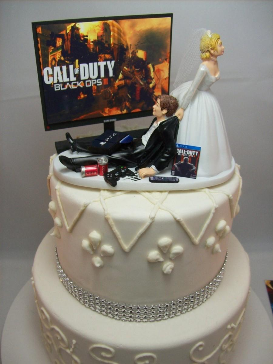 Wedding - GAMER Funny Wedding Cake Topper COD Video Game Gaming Junkie Addict Rehearsal Dinner Groom's Bride Veil Groom Ps4 TV Custom Game Over iii