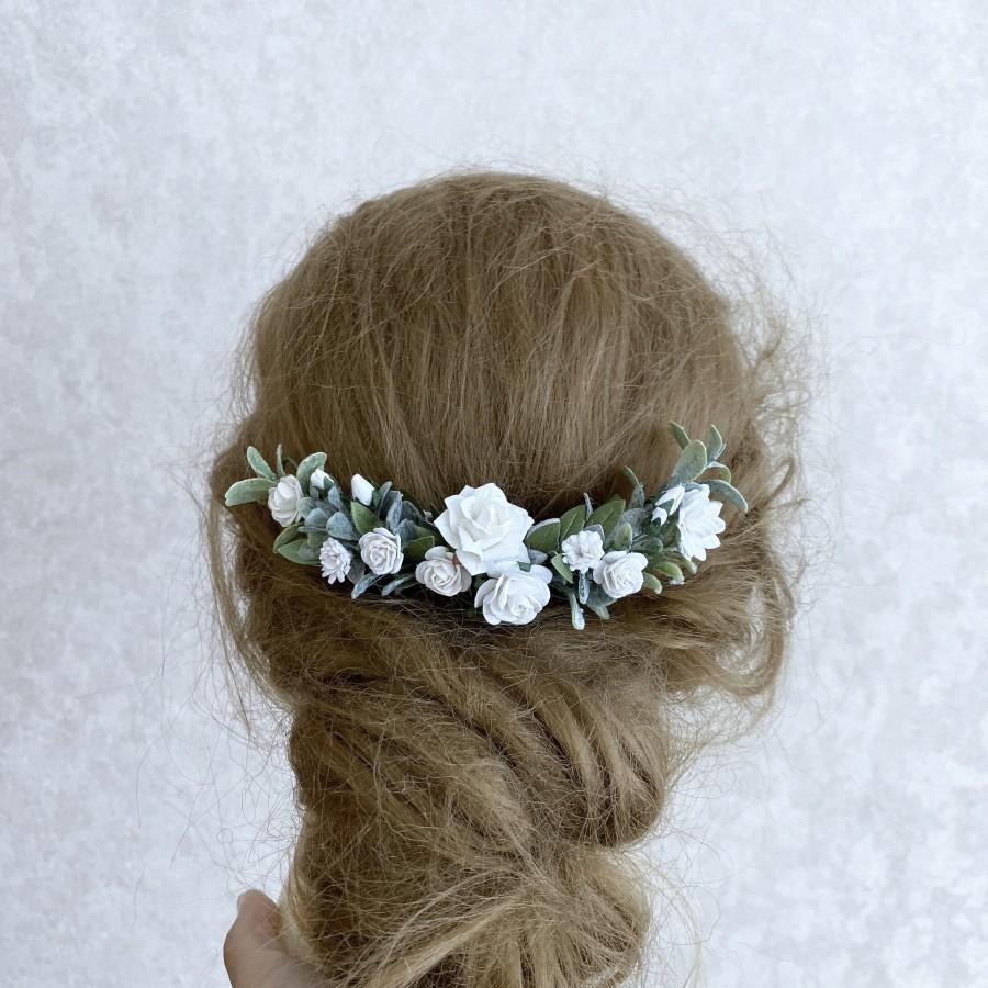 Свадьба - White wedding hair piece, white flower hair clip, white and greenery hair accessories, floral hair vine, bridal headpiece, greenery leaf hai