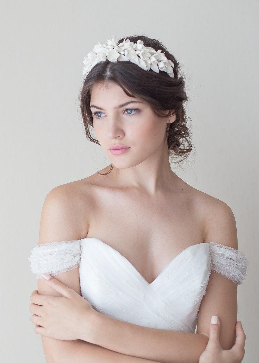 Свадьба - Jasmine blossoms headpiece. Bridal headpiece. Bridal floral crown. Floral wreath. Blossoms headpiece. Bridal tiara. Style 702