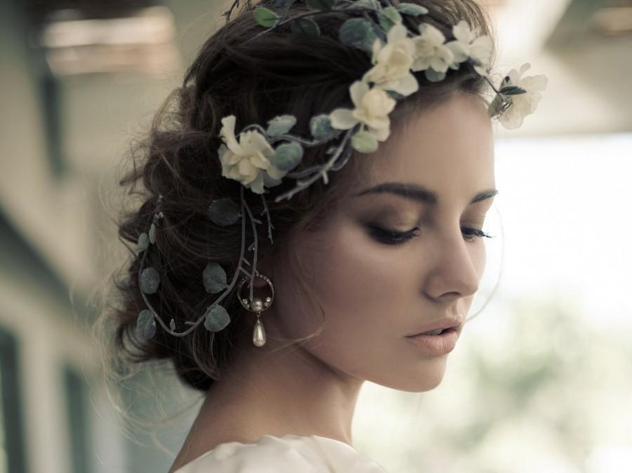 Wedding - Floral Tiara, White Flower Crown, Bridal Hairpiece, Wedding Headpiece, Floral Crown, Boho Flower Crown, Head Wreath, Bridal Floral Headband