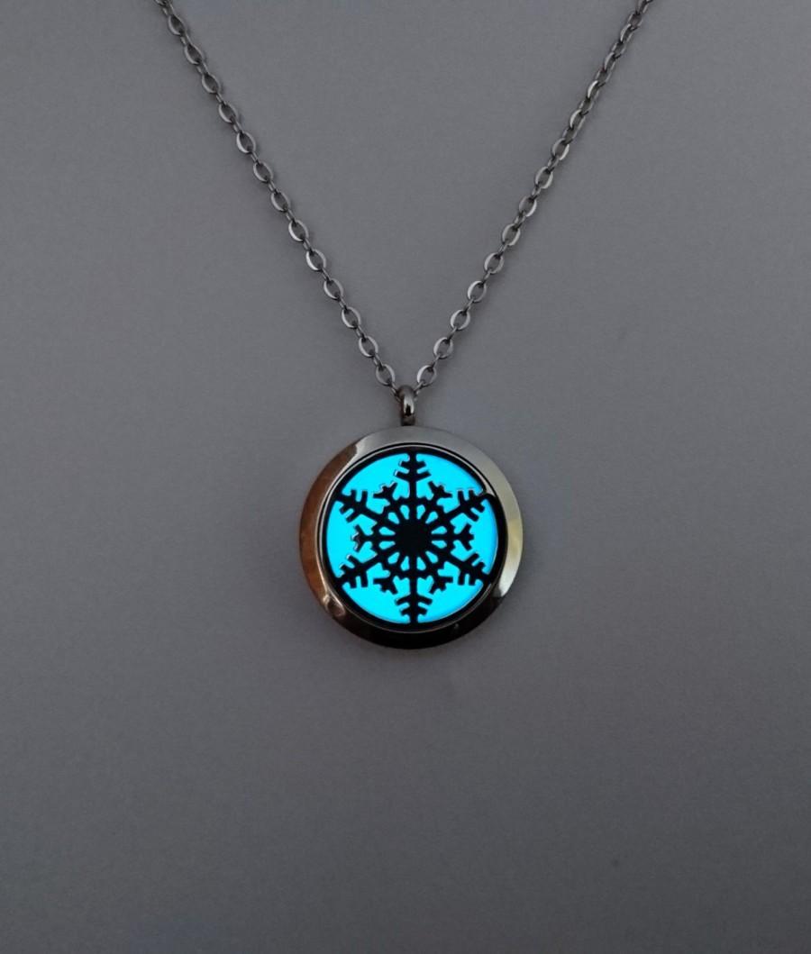 Wedding - Snowflake Glow in the dark Necklace