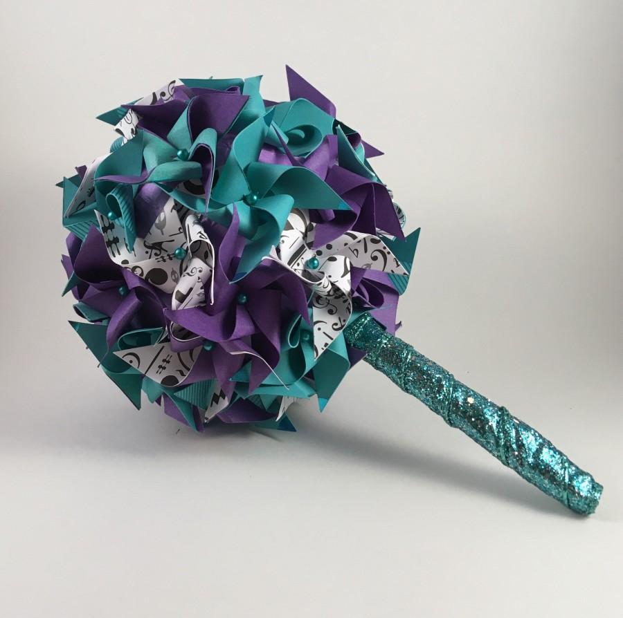 Hochzeit - Paper Pinwheel Bouquet (small)