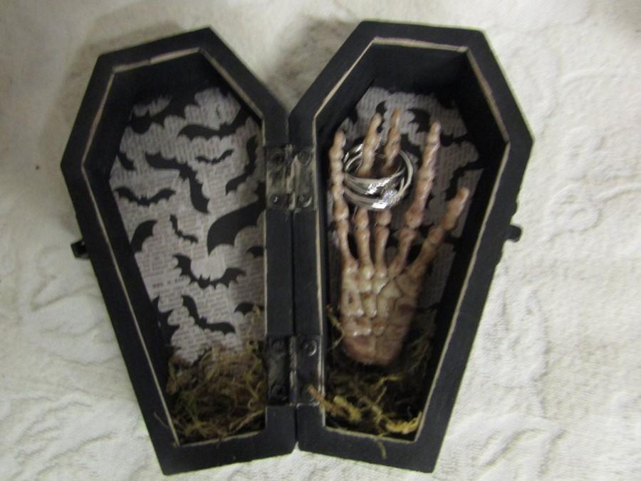 Mariage - Ready to ship Halloween Gothic Aged Black Coffin Wedding Ring Box Ring Bearers Pillow with Skeleton Hand Skull