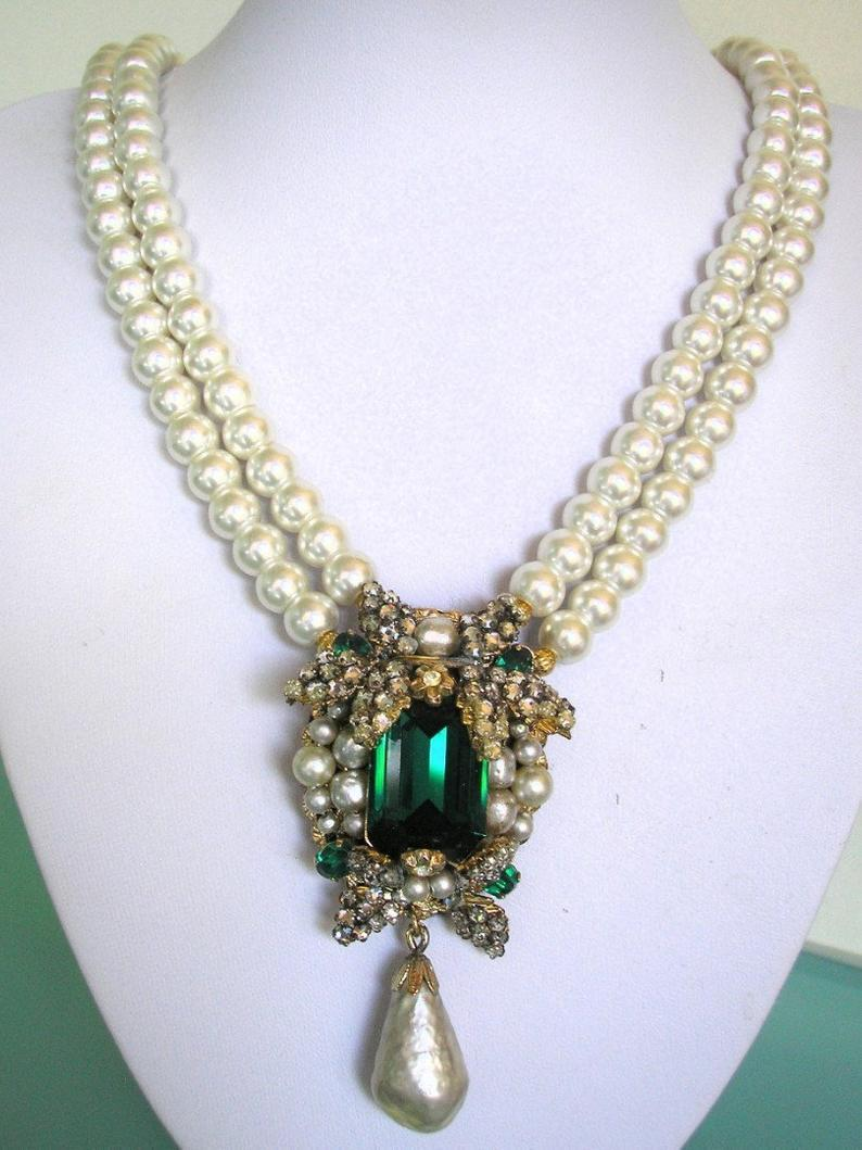 Mariage - Pearl And Emerald Necklace, VENDOME Signed Jewellery, Vintage Costume Jewellery UK, Indian Bridal Necklace, Vintage Designer Jewelry