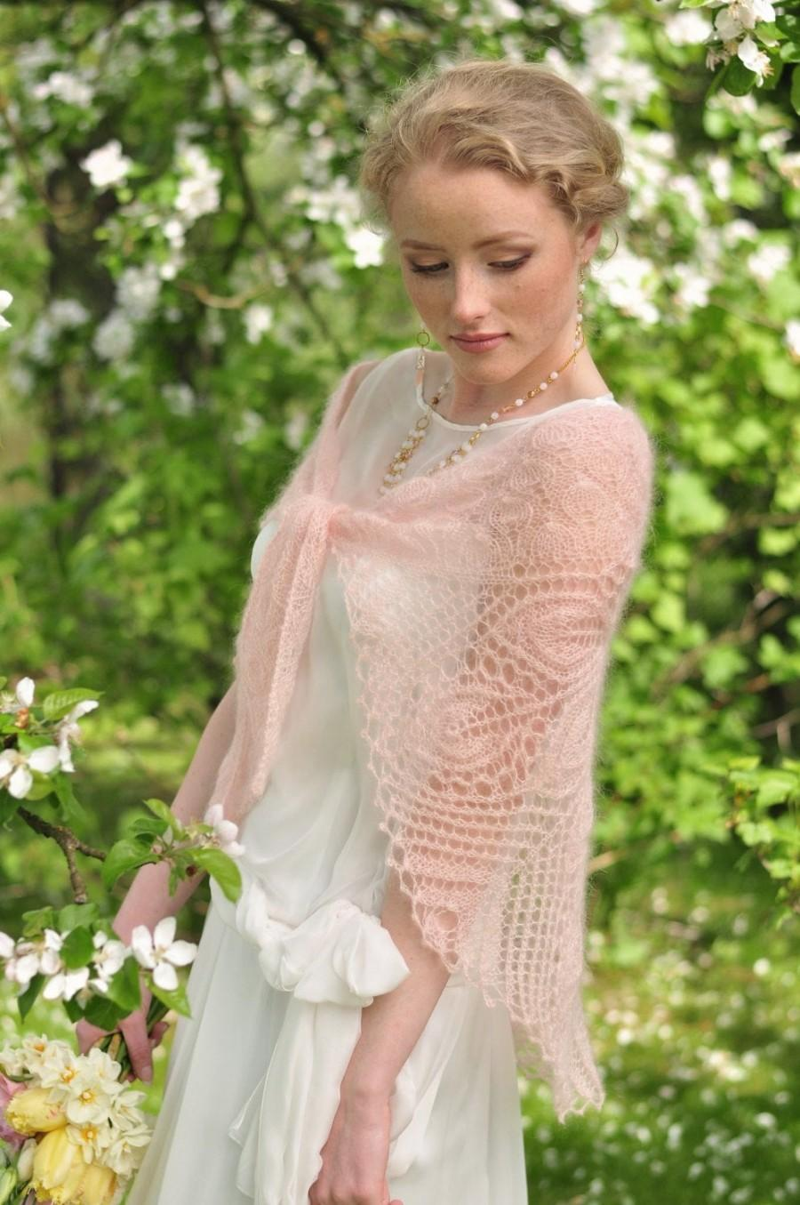 زفاف - Blush pink knitted shawl, weddings , bridal wrap, peach color, laces scarf, mohair with silk, handknitted laces stola