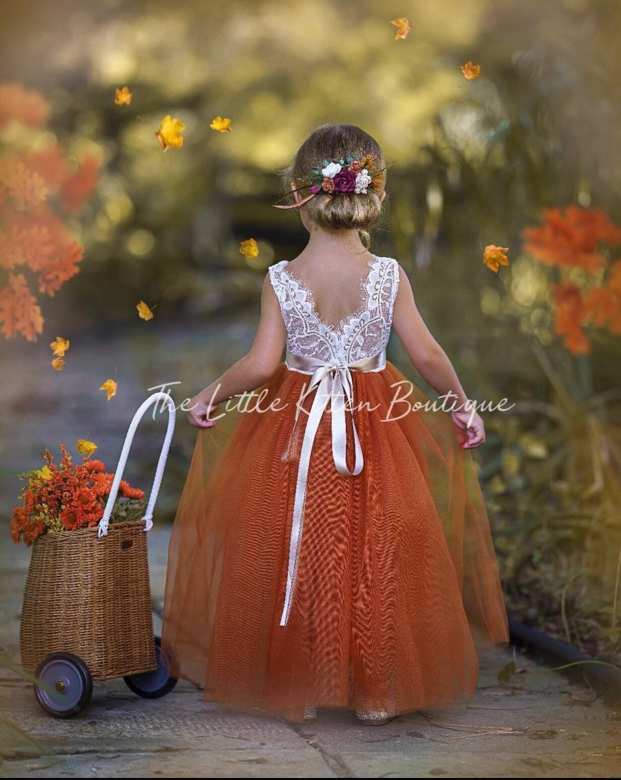 Свадьба - Burnt Orange Flower Girl Dress, Rust Flower Girl Dress, lace flower girl dress, Rustic flower girl dress, Boho Flower Girl Dress, Fall Dress