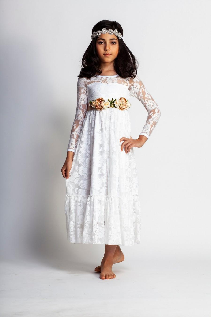 Свадьба - White flower girl dress,boho girls dress,lace flower girl dress,long sleeve flower girl dress,beach flower girl,vintage girls dress,rustic