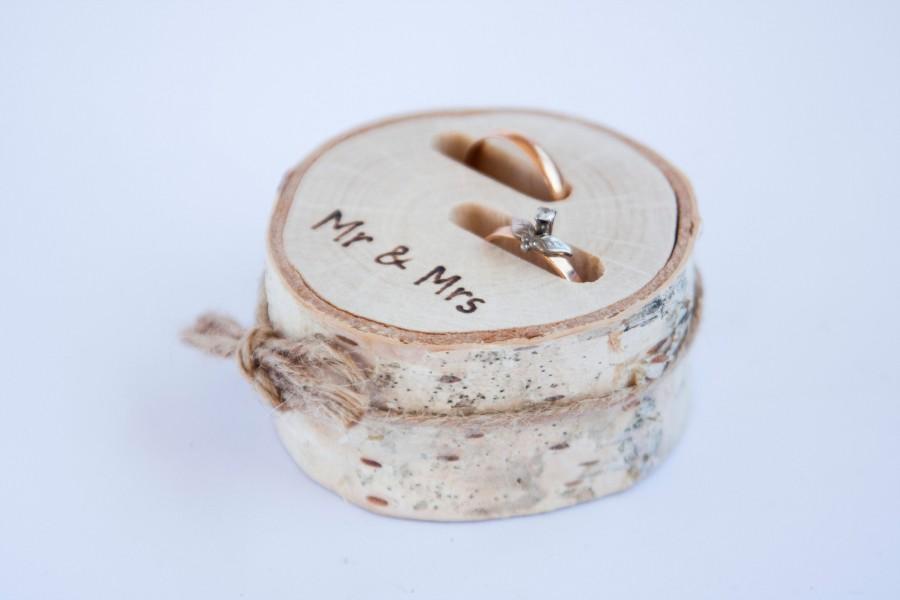 Wedding - Rustic ring bearer pillow,  wedding wood slice, rustic ring box,  birch wedding decoration, wood wedding decor, ring pillow alternative,