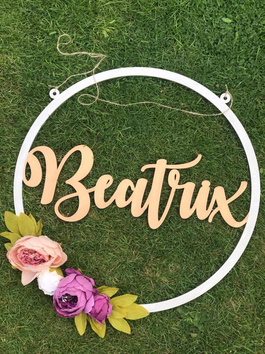 Hochzeit - Large Name Sign, Floral Hoop, Wedding Decor, Peonies, Floral Decor, Flower Wall Sign, Garden Party, Name Hoop, Nursery Decor, Baby Shower