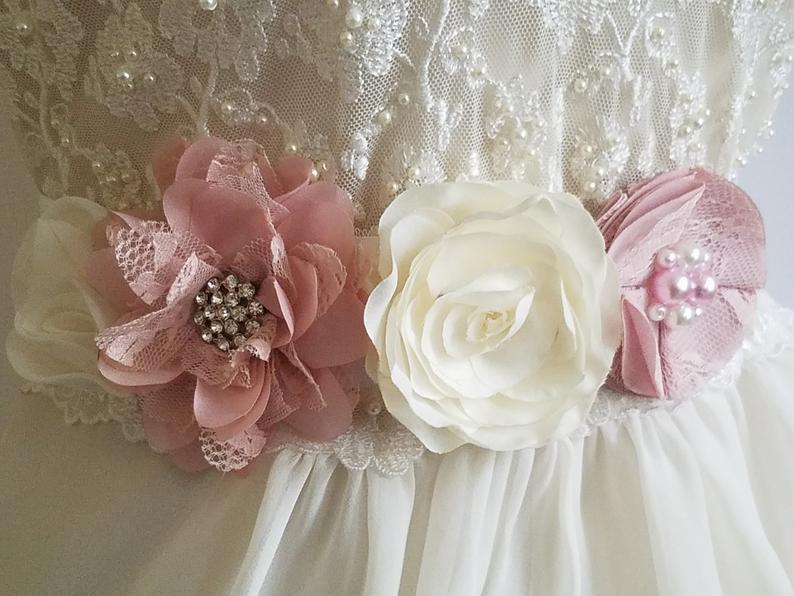 Hochzeit - White Blush Pink Wedding Sash, Pastel Pink Flower Sash, Maternity Sash, White Light Pink Bridal Sash, Floral Dress Sash, Bridal Pink Belt