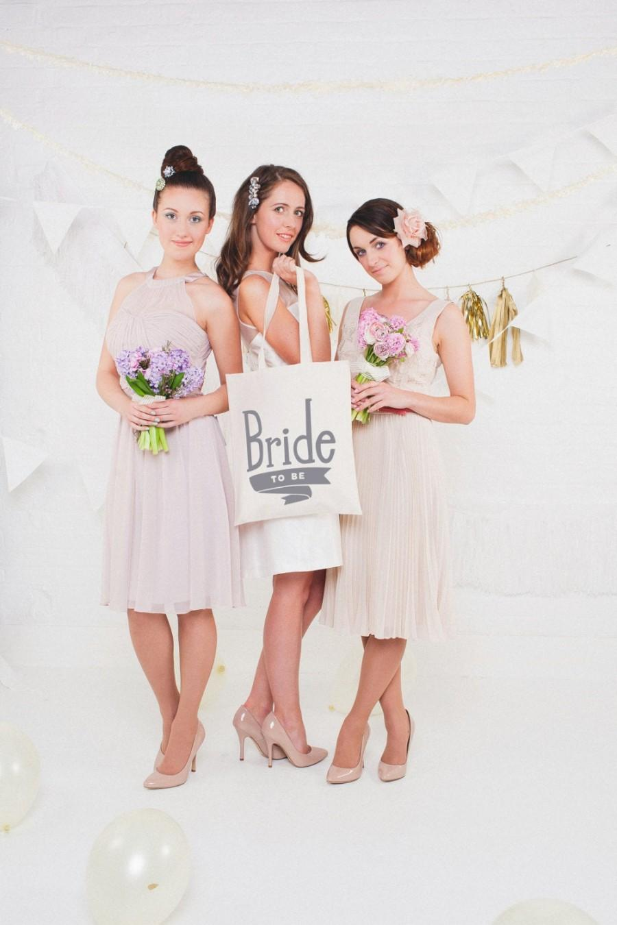 Hochzeit - Wedding Tote Bag - Bride Tote - Bachelorette Party Bags - Bridal Party Tote - Bride to be Gift - Bride to Be Tote Bag - bachelorette party