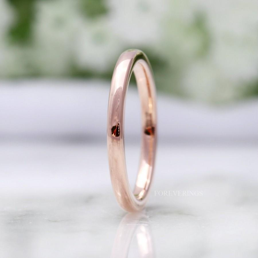 Mariage - Womens Tungsten Wedding Band, 2mm Tungsten Band, 18k Rose Gold Ring, Polished, Comfort Fit, Domed, Thin Band, Mens Ring, Simple Band