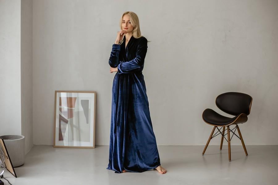 Hochzeit - Velvet Long Robe, bride robe, bridesmaids robes, womens velvet robe, long velour robe.