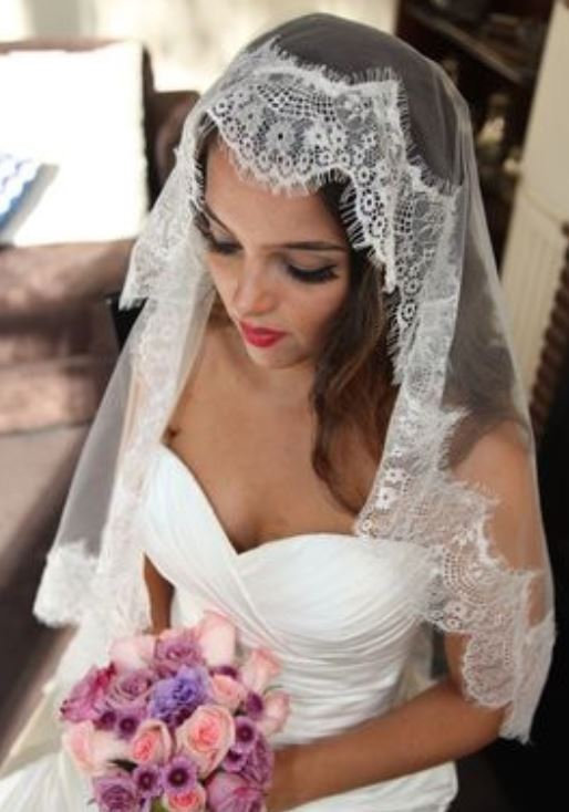 زفاف - Chantilly lace drop veil