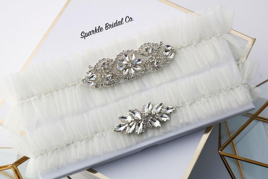 Hochzeit - Ivory Wedding garter Set, Tulle Bridal Garter, keepsake and toss Bridal Garter Set, Garter belt, Garters for Weddings, crystals garter