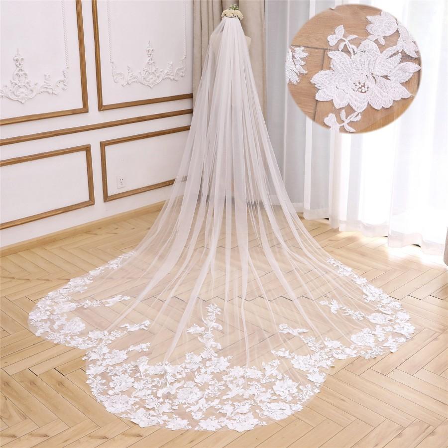 Hochzeit - Lace Trim Wedding Veil Floral Bridal Veil Cathedral Floral Veil White  Boho Wedding Veil Chapel Bridal Veil 1 Tier Ivory Veil Custom Veil