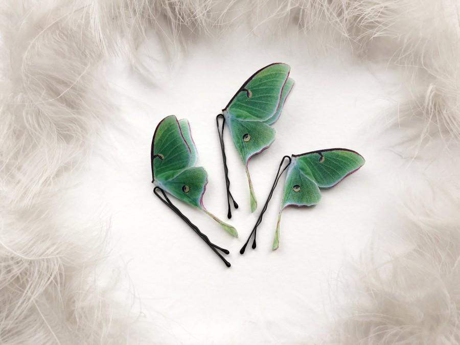 Свадьба - Set of 3 Luna Moth Hair Pins for anyone who loves Moths and Butterflies, Bright Boho Chic Luna Moth Hair Pins, Emerald Green Boho Hair pins