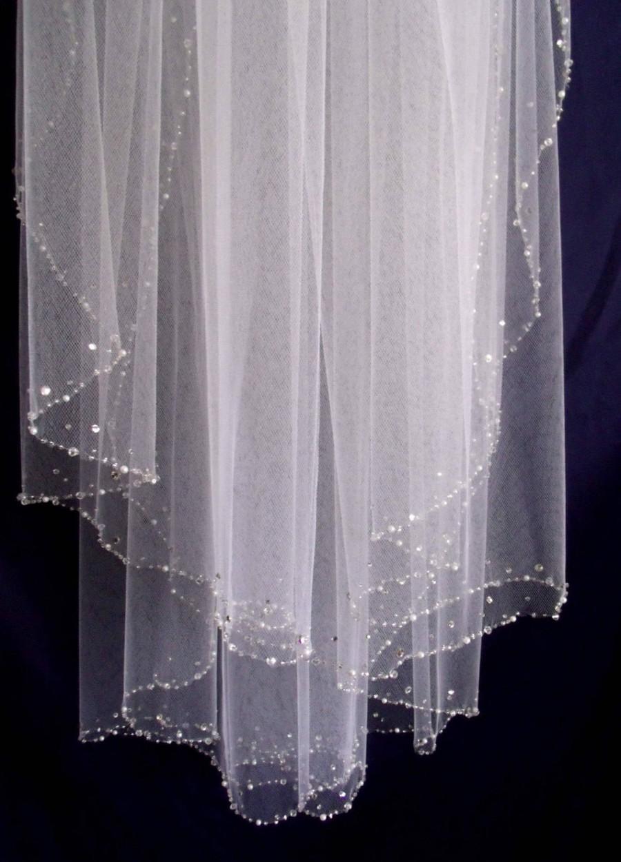 Mariage - CRYSTAL EDGE VEIL. Veil with crystal edge. Soft veil, Swarovski rhinestones and crystals veil. fingertip veil. ivory, soft white, white.