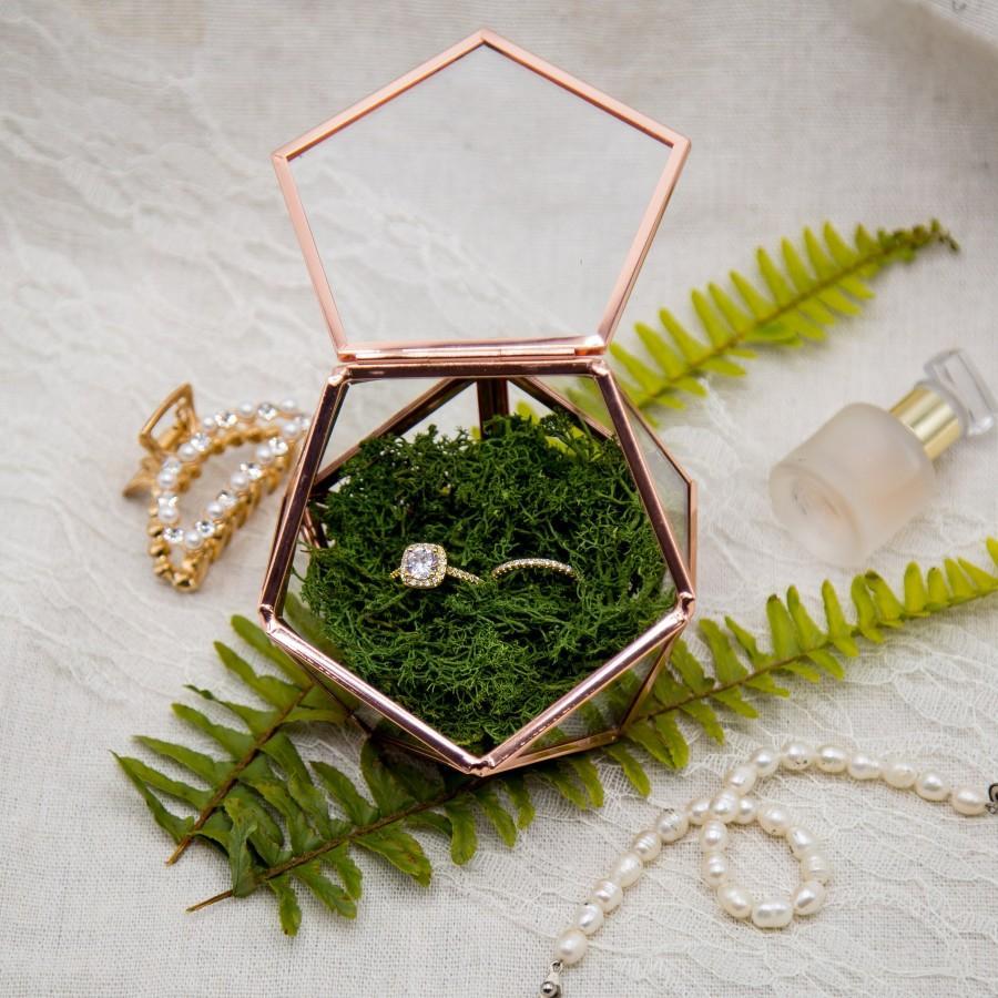 Wedding - Geometric Rose Gold Glass Ring Box with Moss - Modern Rustic Ring Box for Wedding Ceremony, Custom Ring Holder, Ring Pillow Alternative