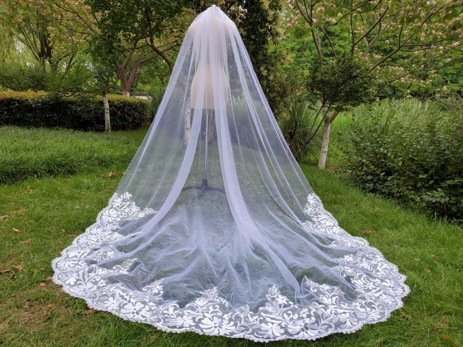 زفاف - Luxury lace veil / drop veil/cathedral veil/off white/ custom veil ivory