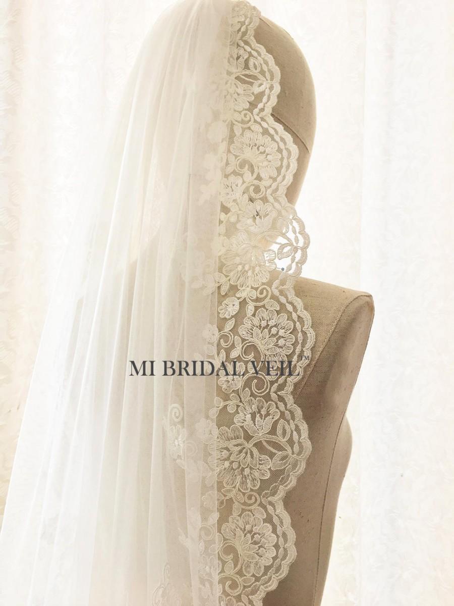 Hochzeit - Lace Wedding Veil, Rose Lace Veil, Fingertip Lace Veil, Lace Bridal Veil, Vintage Inspired Single Tier Lace Veil, Mi Bridal Veil, Hand Made