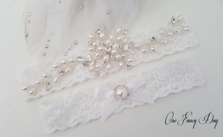 Hochzeit - Beaded Lace Wedding Garter, Pearl Bridal Garter Set, Wedding Garter Set, Keepsake Garter, Toss Garter, Customizable Handmade-Style 828