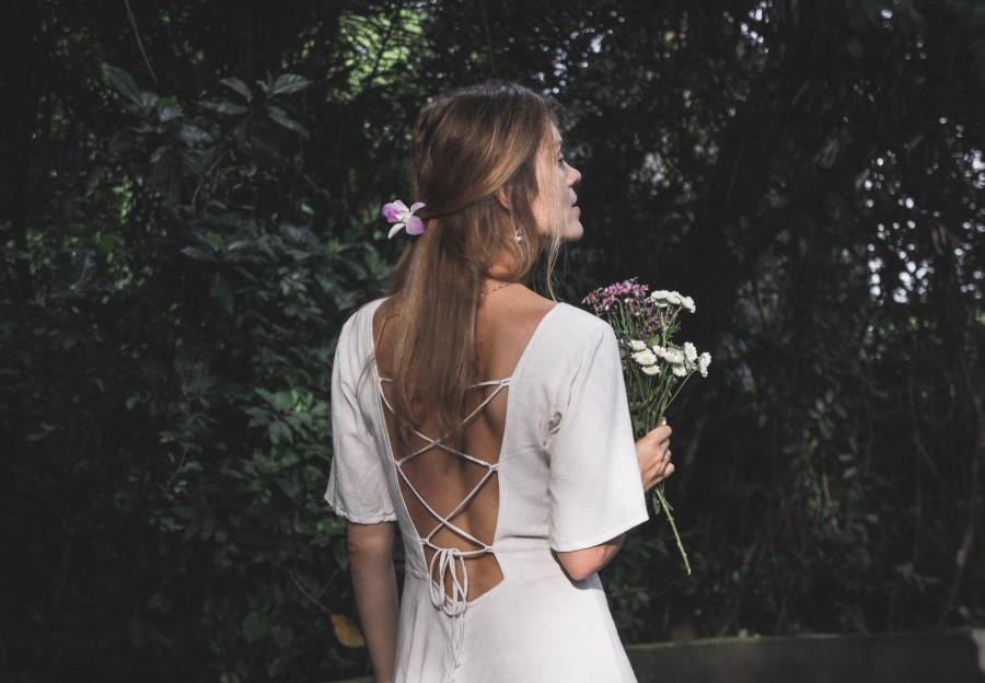 Mariage - Off-white linen dress • Bohemian wedding backless fairy dress • Elven fantasy dress • Renaissance medieval dress • Simple wedding dress