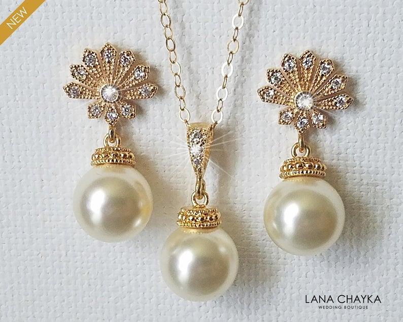 Свадьба - Pearl Gold Bridal Jewelry Set, Swarovski 10mm Ivory Pearl Earrings&Necklace Set, Pearl Gold Wedding Jewelry, Bridal Bridesmaid Pearl Jewelry