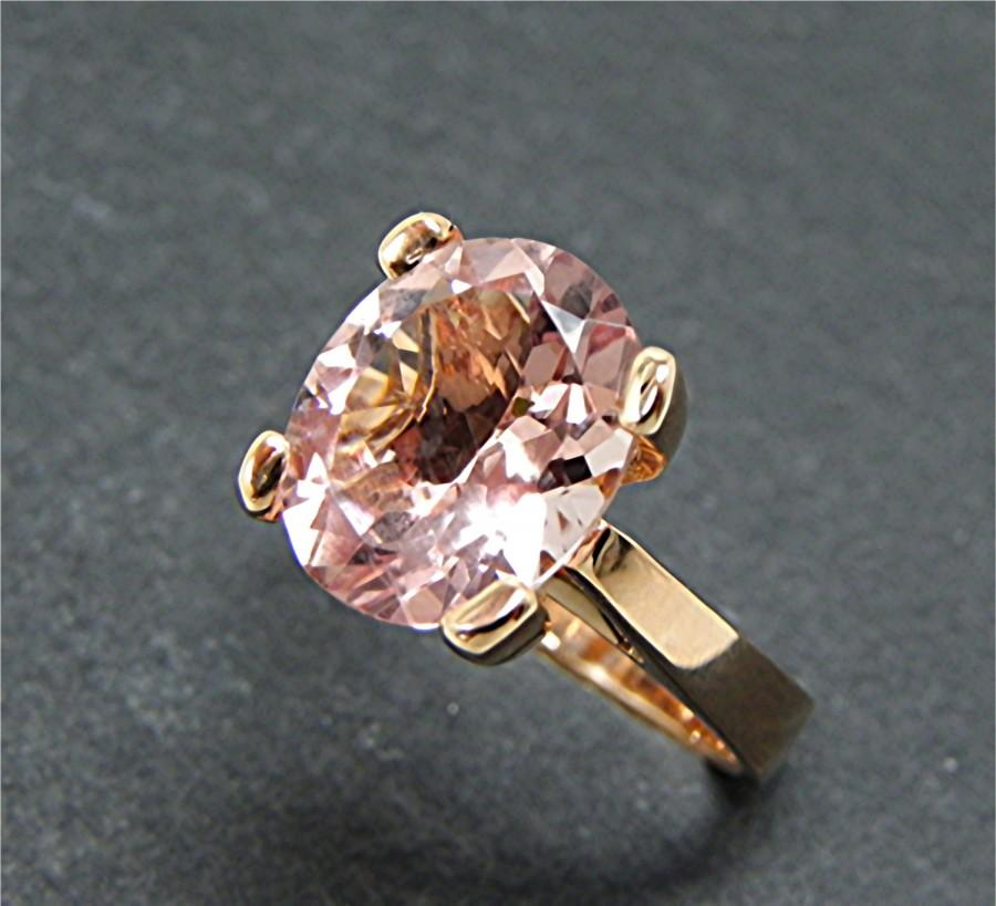 Свадьба - AAAA Oval Peach Pink Morganite   12x10mm  3.74 Carats   in 14K Rose gold ring. 1147