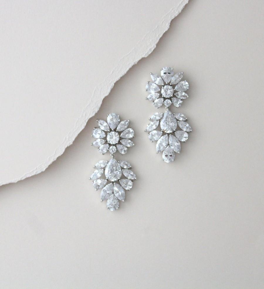 زفاف - Bridal chandelier earrings, Silver Crystal drop Wedding earrings, Bridal jewelry, CZ statement earrings, Vintage style Bridal earrings
