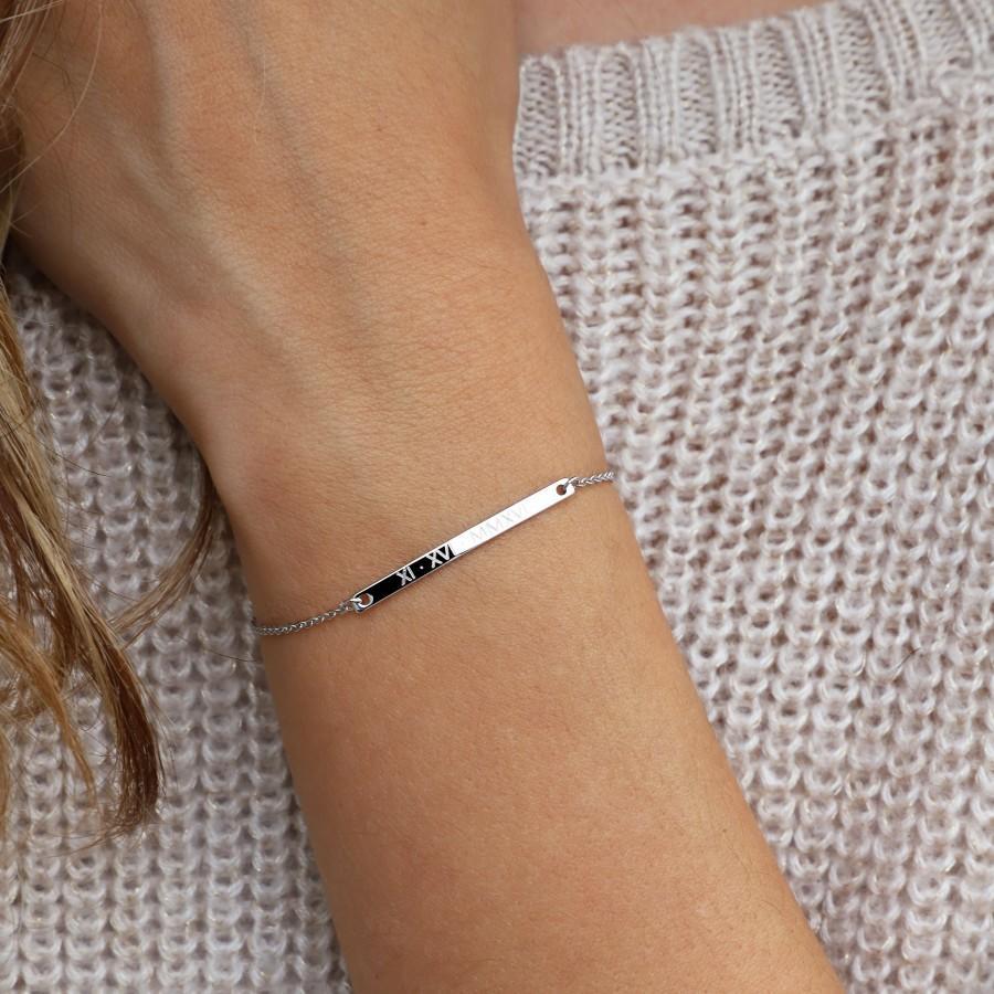 Hochzeit - Personalized Bracelet Silver Bracelet For Woman Custom Name Bracelet Gift for Best Friend Dainty Roman Numeral Bar Bracelet -T32-3.5