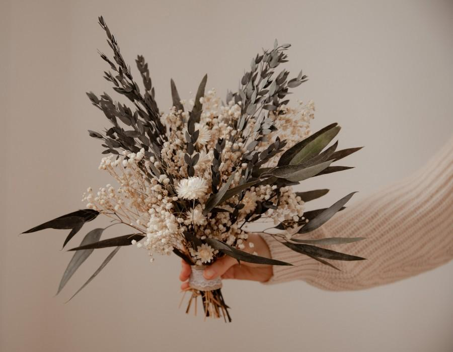 Hochzeit - Dried Eucalyptus Bouquet / Dried Real Baby's Breath And Straw Flowers Wedding Bouquet