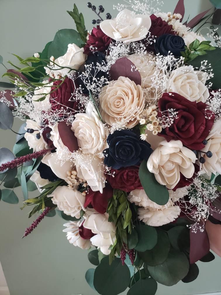 زفاف - Burgundy and navy blue cascading bouquet, sola wood flowers