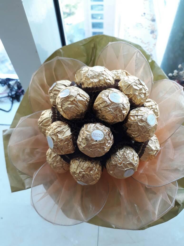 Hochzeit - Bouquet of sweets. Ferrero Rocher  Bouquet. Sweet Gift. Sweet Chocolate Bouquet.#MakeItMeaningful