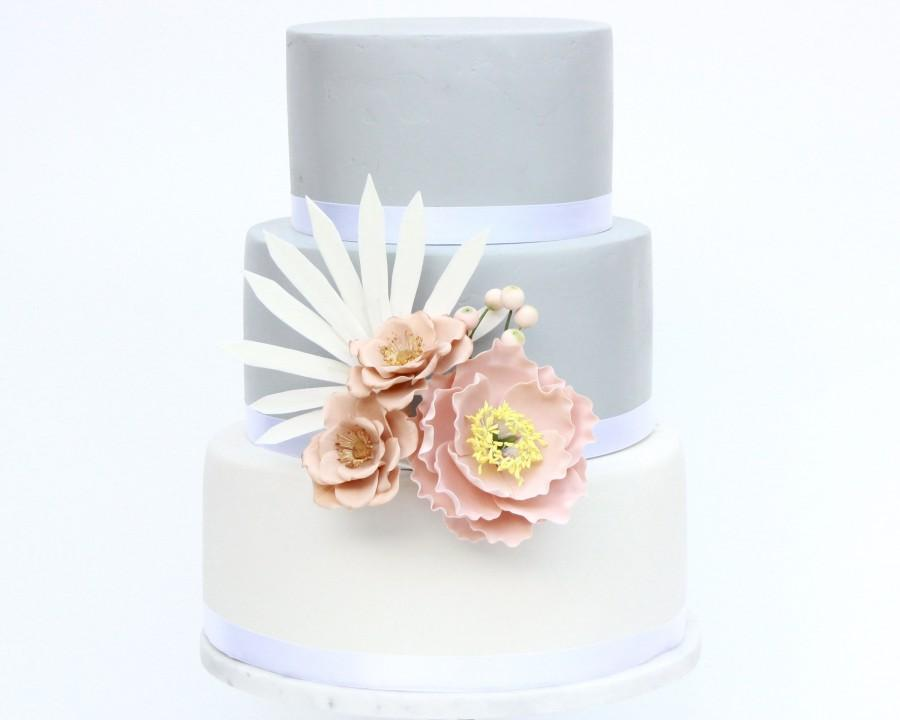 Свадьба - Gumpaste Flowers with Leaves, Sugar Flowers for Cakes Decoration