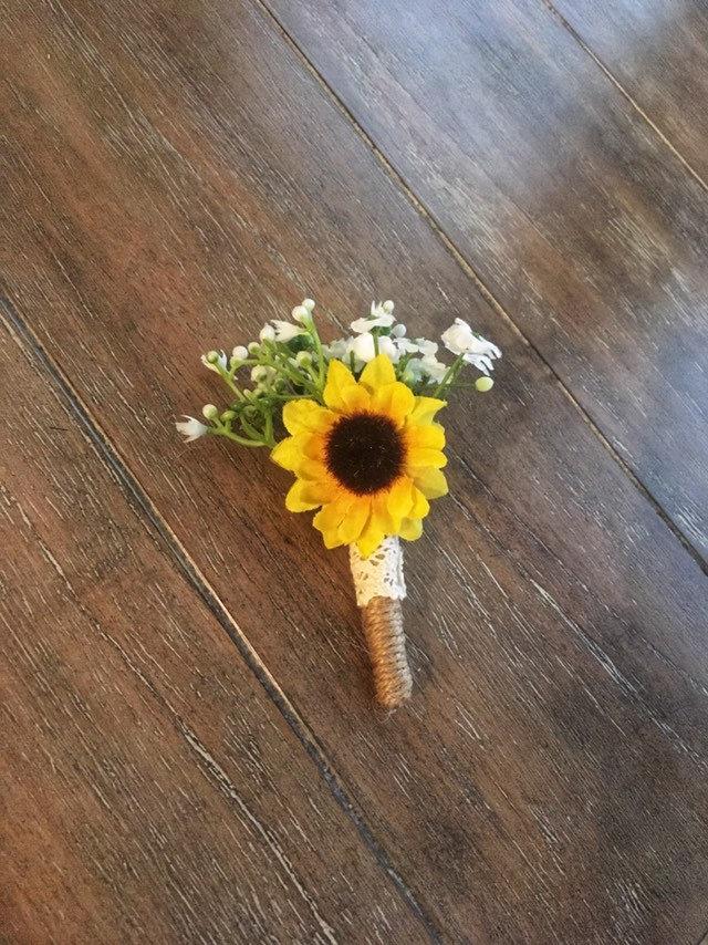 Hochzeit - Sunflower Boutonniere Rustic Wedding Country Wedding Sunflowers Lace Boutonniere Groom Boutonniere