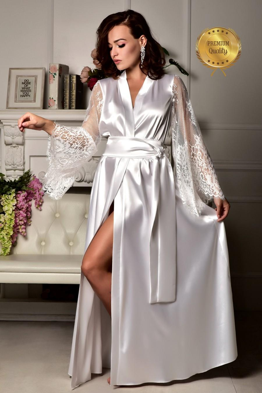 Hochzeit - Long bridal robe Long white robe wedding kimono Long lace bridal robe Kimono robe maxi robe Bride robe Bridal kimono Bridal dressing gown