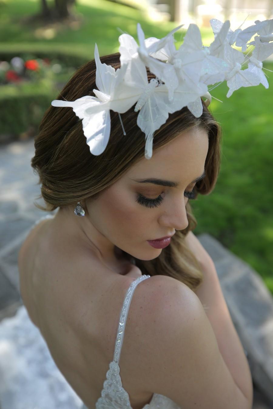Hochzeit - bridal headpiece White Butterfly headpiece, white fascinator headband with butterflies, derby hat headpiece, white fascinator hat
