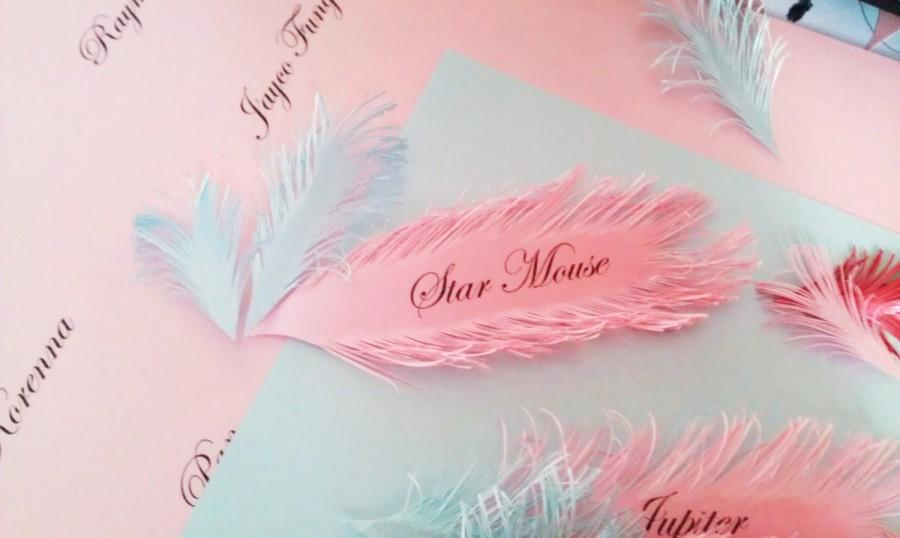 Hochzeit - Light Pink Feather place cards - Handmade of iridescent Pink paper, Name Printing Included