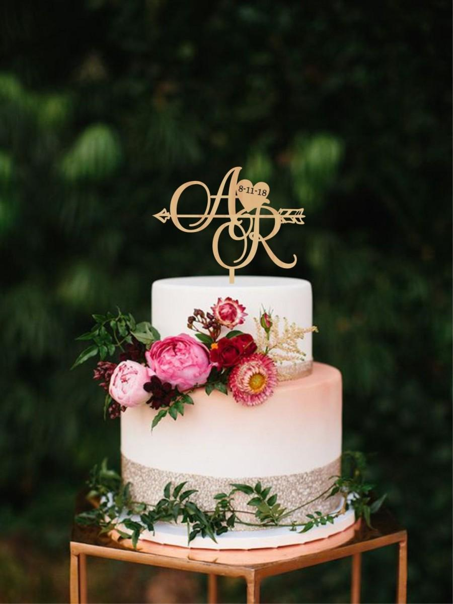 Mariage - Two initials with heart and date, Personalised wedding date Cake topper, Two letters cake topper, Arrow topper, Rustic monogram Boho wedding