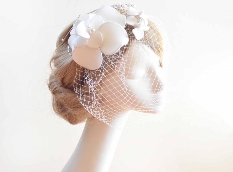 Wedding - Large fascinator with birdcage veil with fascinator White fascinator with birdcage veil Bridal veil clip Wedding fascinator Wedding headband