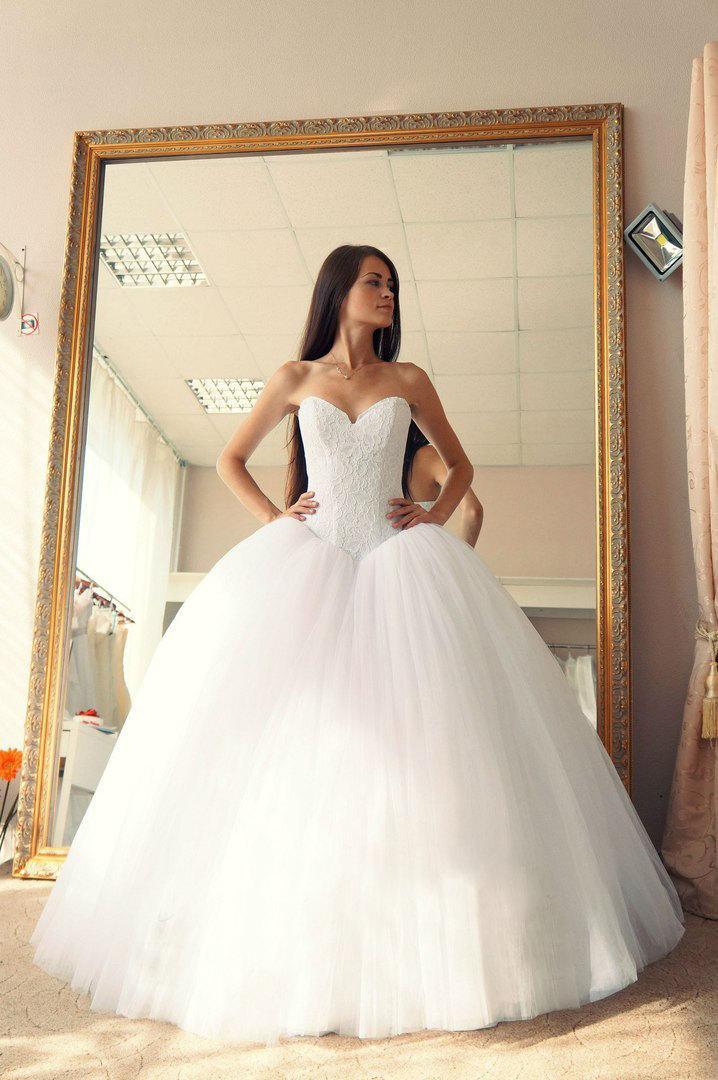 Wedding - Ball gown wedding dress, Vera wedding dress, puffy wedding dress, brides war wedding dress, wedding gown, sweet heart neck line wedding dres